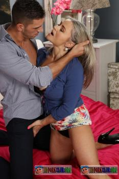 MomXXX.com/SexyHub.com – Rachel Gold – For One Night Only [SD 540p]