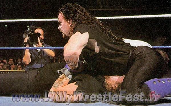 35190388_summerslam_1994_-_undertaker_vs_undertaker_03.jpg